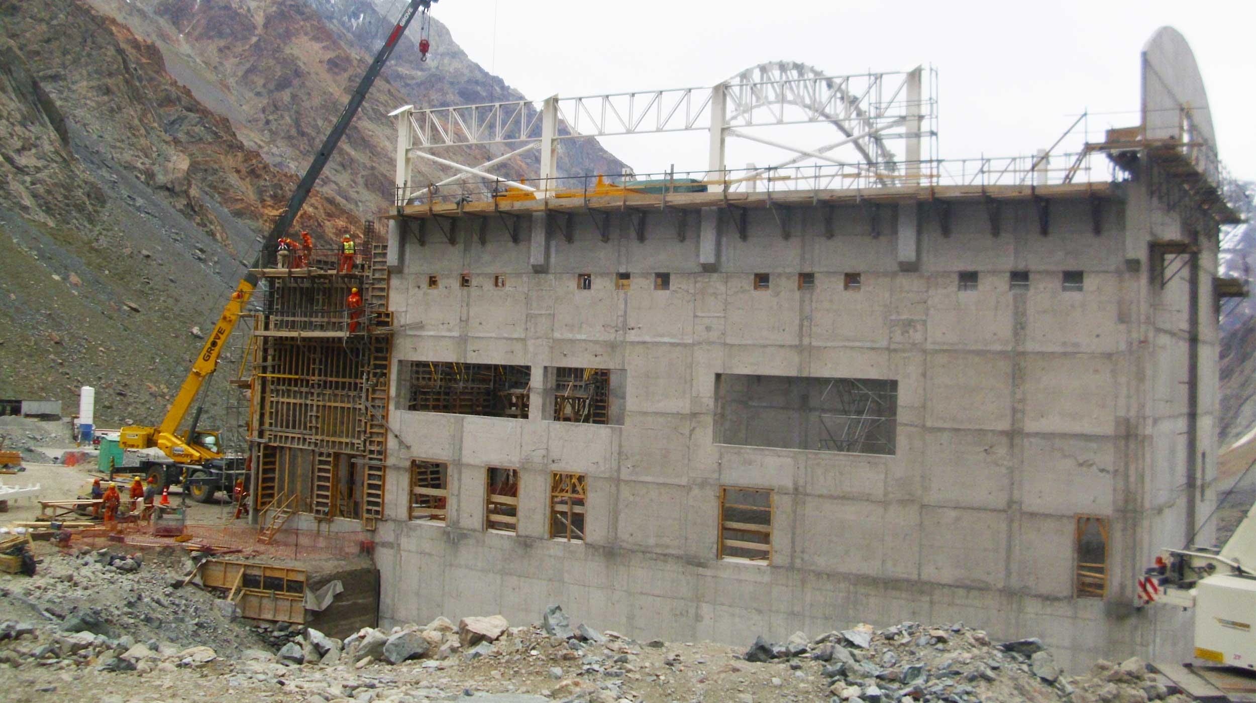 Se ubica a unos 70 kilómetros al noroeste de la ciudad de San Fernando, consiste en la construcción y operación de una central hidroeléctrica en el río San Andrés.