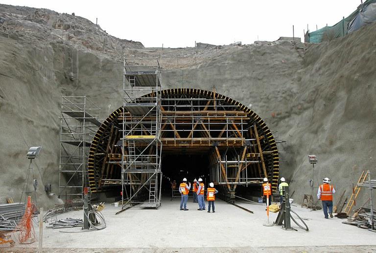 Túnel Santa Rosa II, Lima, Perú
