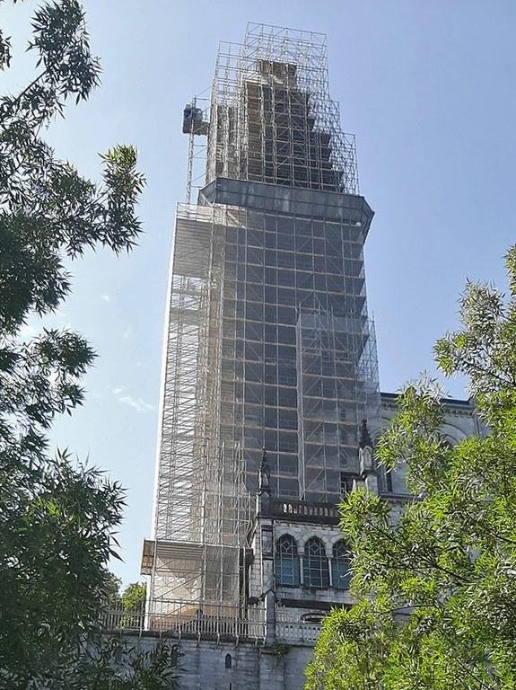 Soluciones de andamio a medida para la restauración del Santuario de Lourdes